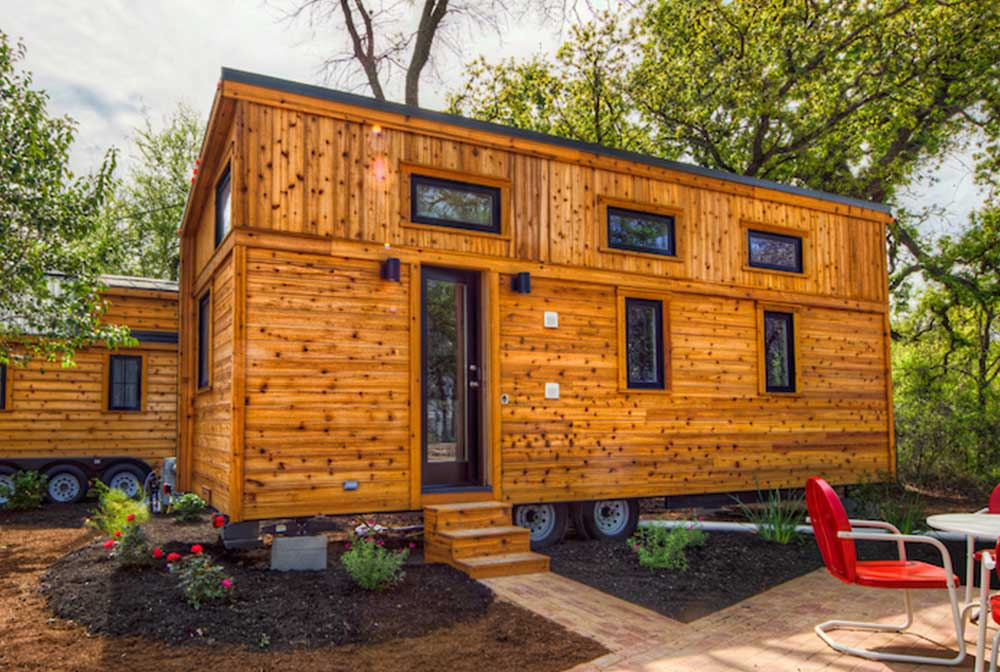 meet the tiny house roanoke from tumbleweed tiny house envy. Black Bedroom Furniture Sets. Home Design Ideas