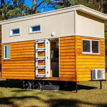 tiny-house-envy-graduate-series