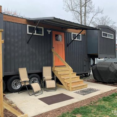 tiny house with slide outs