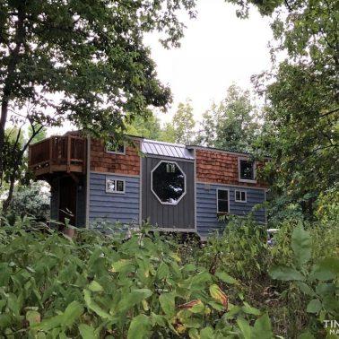 tiny house deck