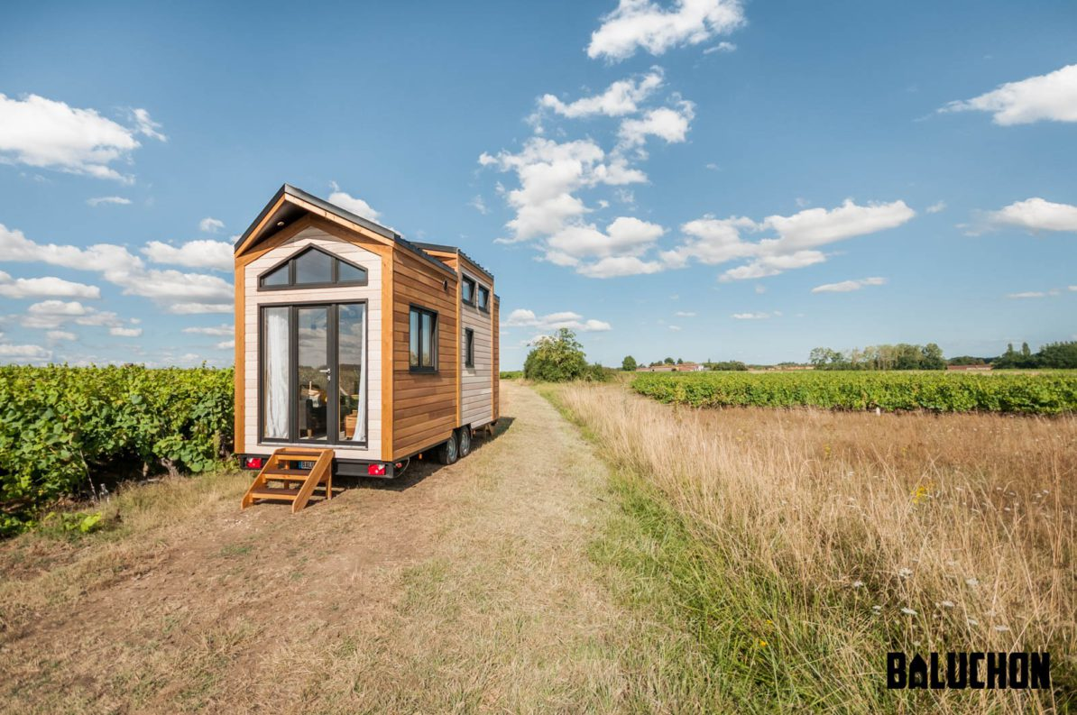 9 meter long tiny house