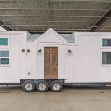 32' tiny house